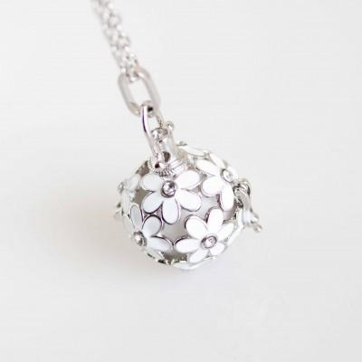 Daisy Perfume Ball