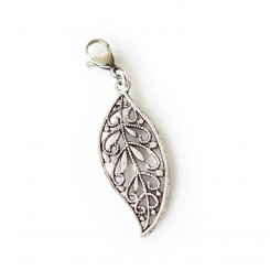 Intricate Leaf Dangle